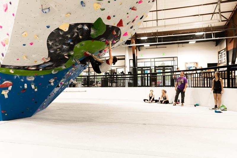 whetstone-climbing-gym-02.jpg