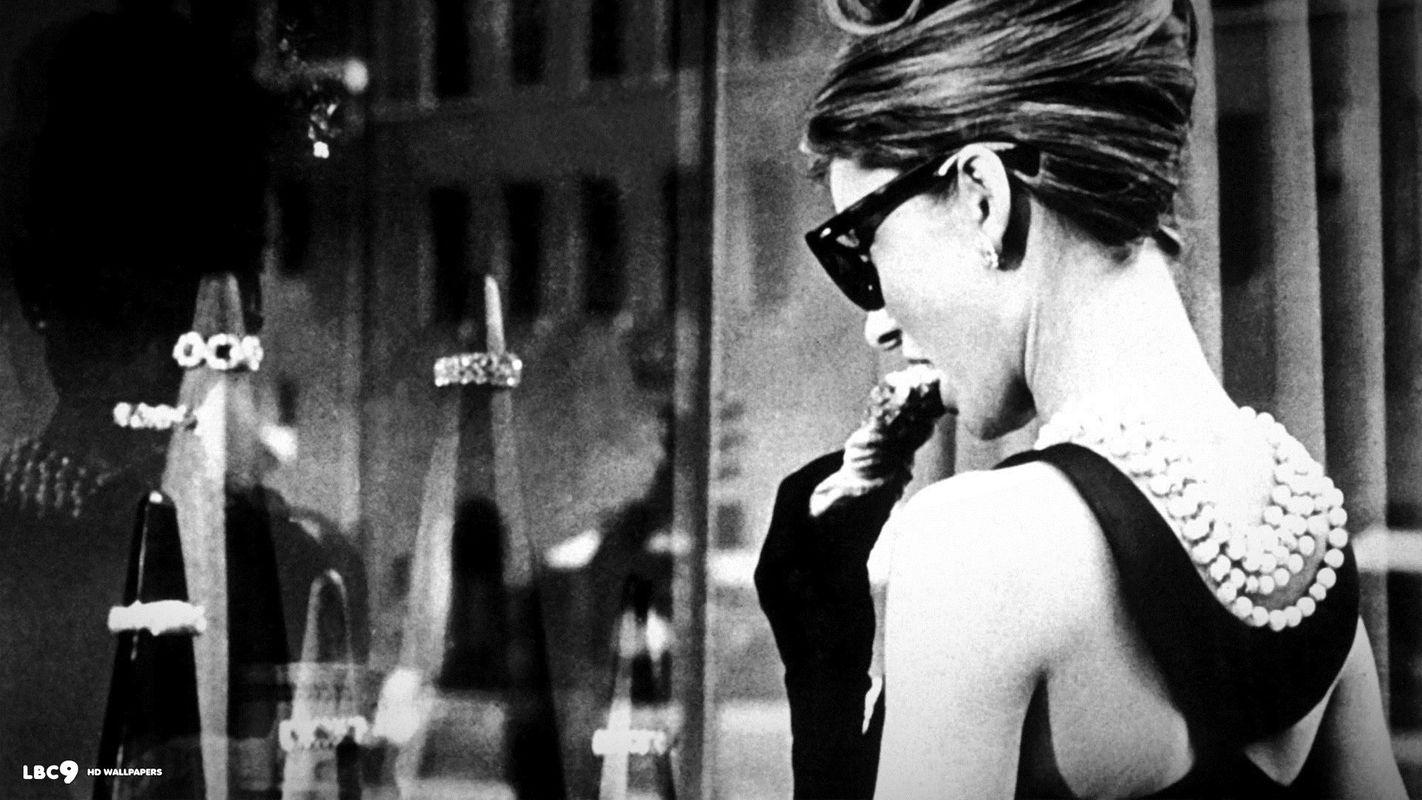 Tiffany-Co-Audrey-Hepburn-5aedba9b4c7f9.jpg