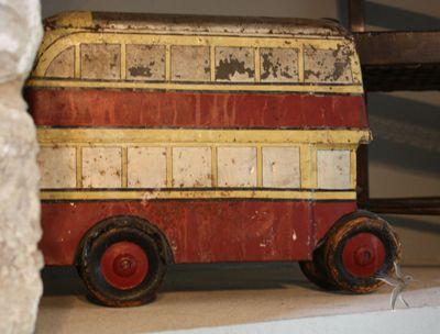 Rooi-bus.jpg