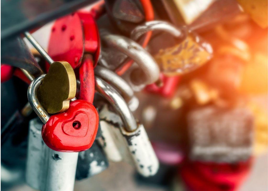 Red heart lock.jpg