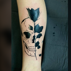 skull and flower.png