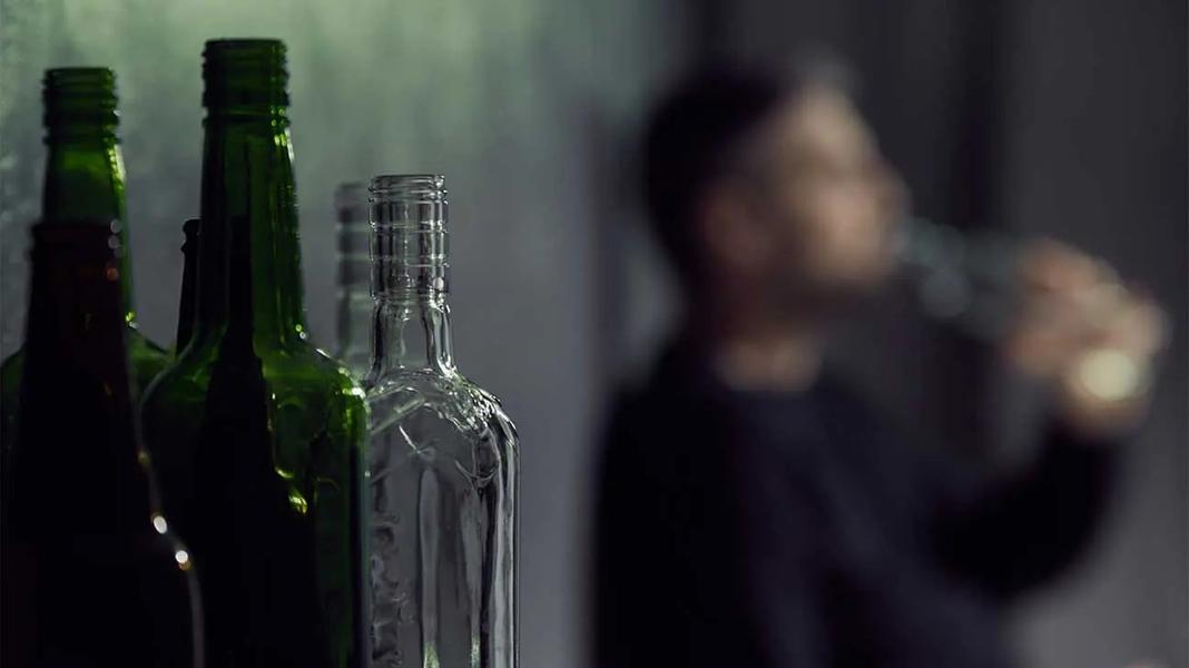 alcohol-addiction-abuse-and-treatment-optionsR1.jpg