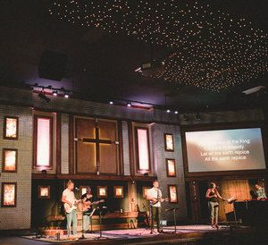 Newport+Mesa+Church+-+Audio,+Video+and+Lighting+by+EEI+Systems.jpg