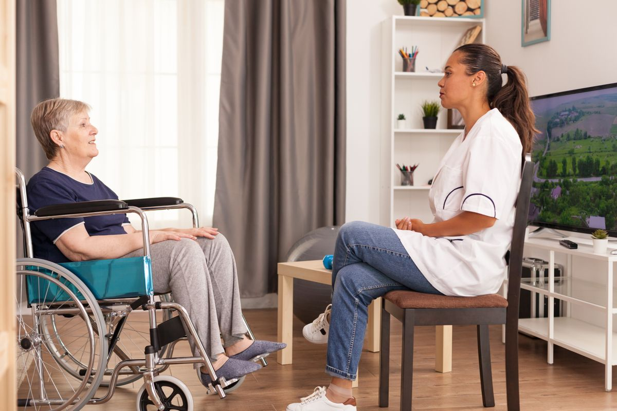 home-health-care-service-AZDM25Z.jpg