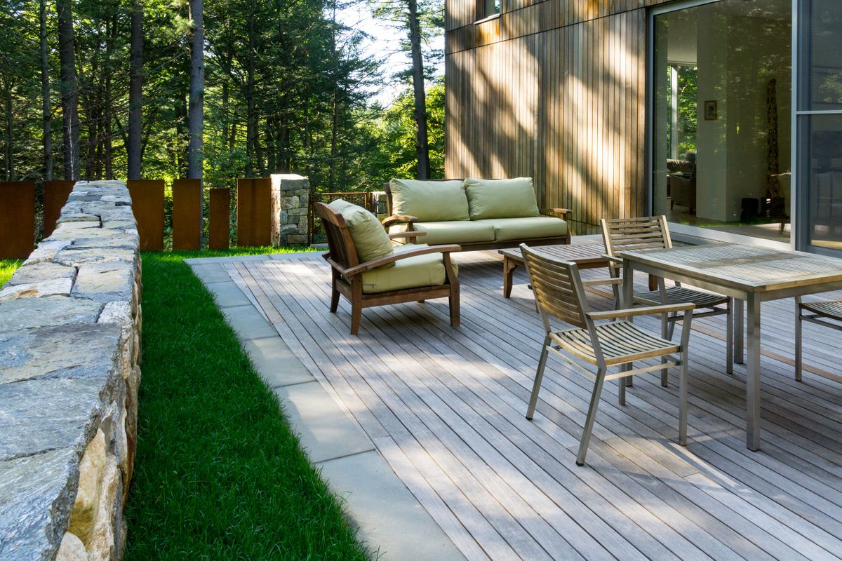 ANDLC-Lincoln back wood deck.jpg
