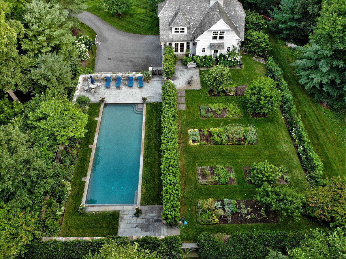 garden and pool .jpg
