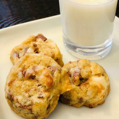 MCC_cookies_on_plate_1596606867.jpg
