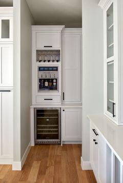 Hidden Den kitchen 2.jpg