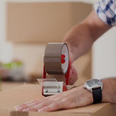 close up taping box